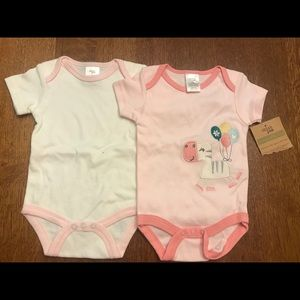 New NWT Baby Girl's 0-3 Months 2-Pack Onesies